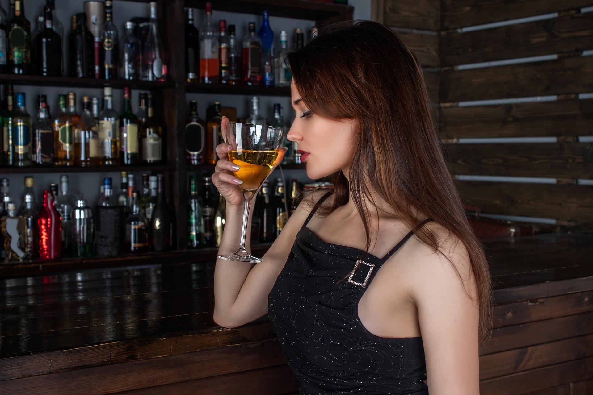 Alkohol i palenie tytoniu – wpływ na cerę