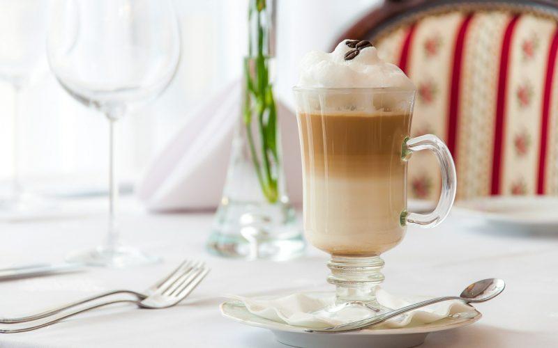 """Masz ochotę na """"poplamioną"""" kawę?"""