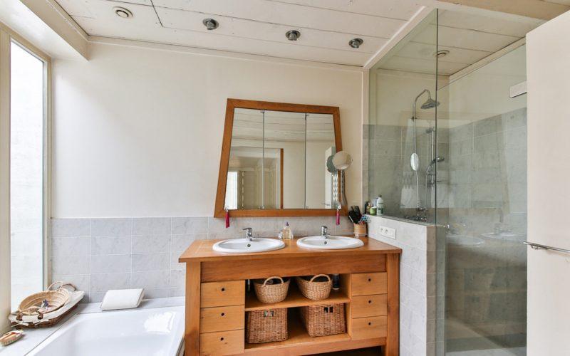 Wyczyść dokładnie kabinę prysznicową