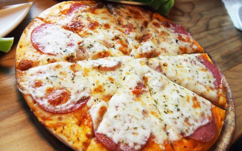 Pizza w stylu nowojorskim