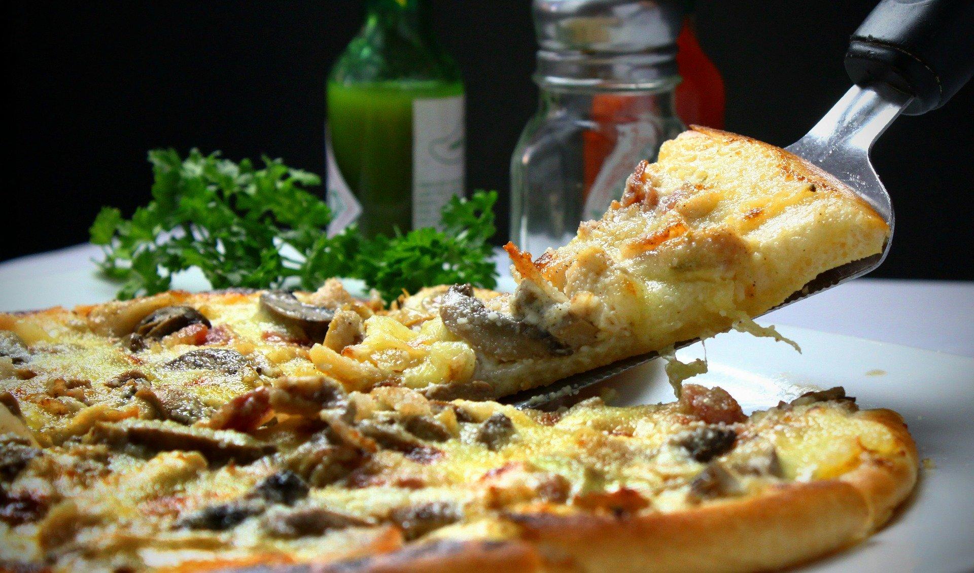 Najlepsza pizza w Warszawie – gdzie ją zjeść?