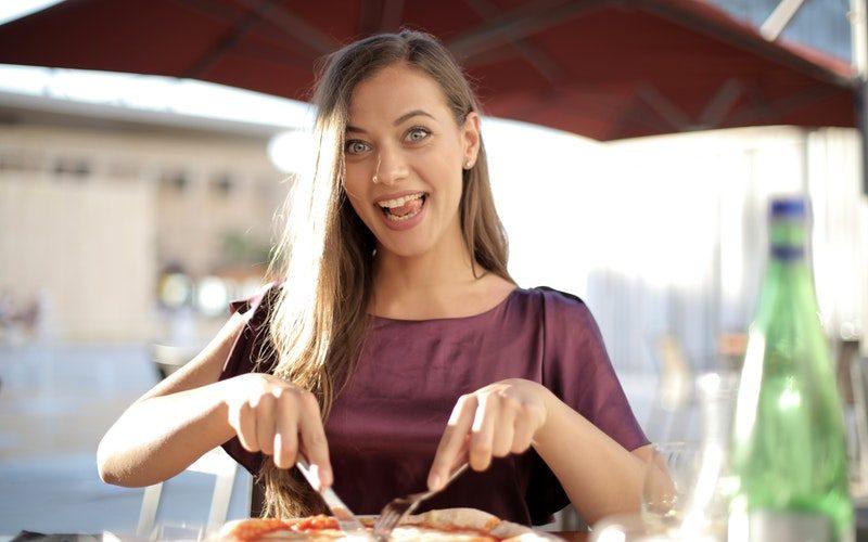 Jaka jest prawdziwa włoska pizza? Ciekawostki o pizzy