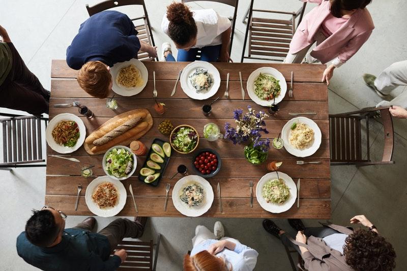 Obiady Czwartkowe – wykwintne jedzenie w zdrowej atmosferze