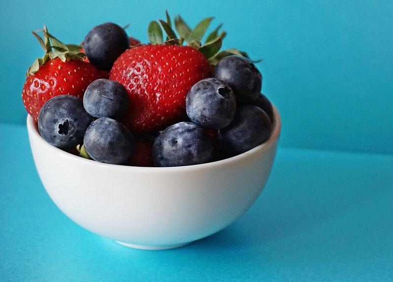 Wakacyjne menu – najzdrowsze produkty sezonowe