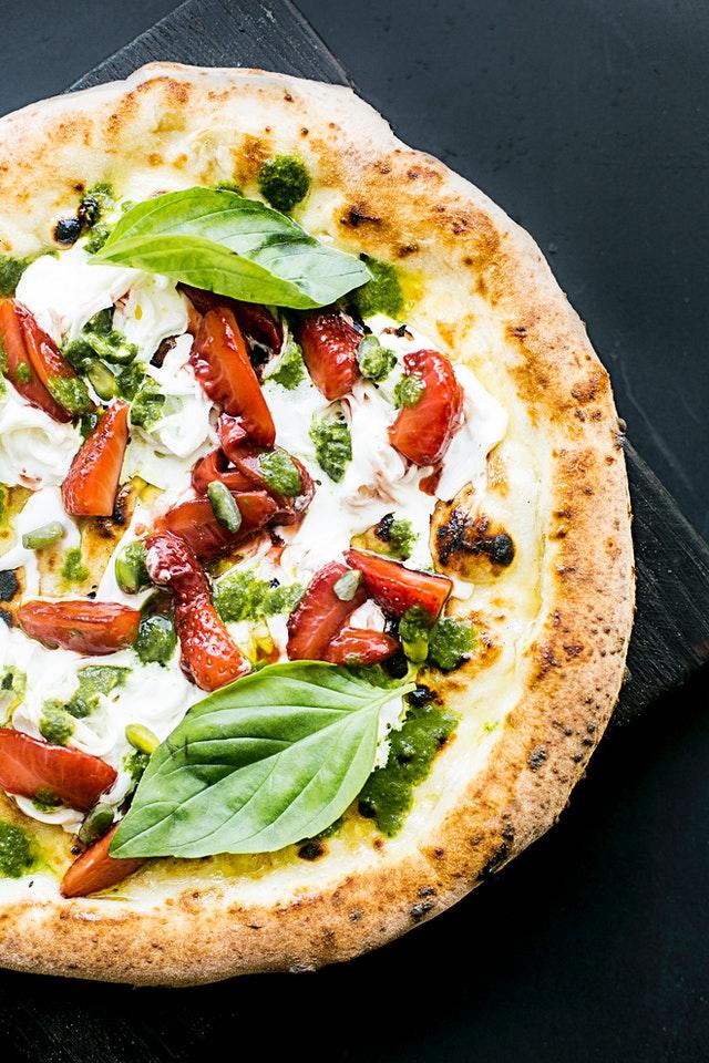 Pizza domowa czy pizza z pizzerni?